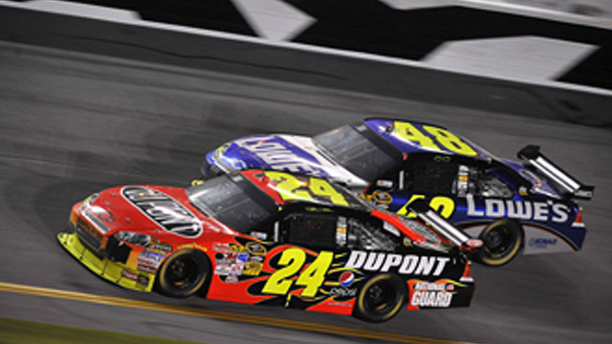 Qualifying a wash, Gordon on pole for Martinsville