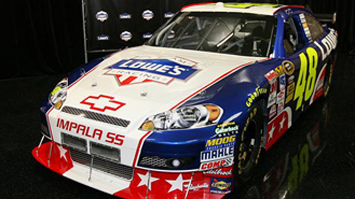 Team Lowe's to honor military with patriotic scheme