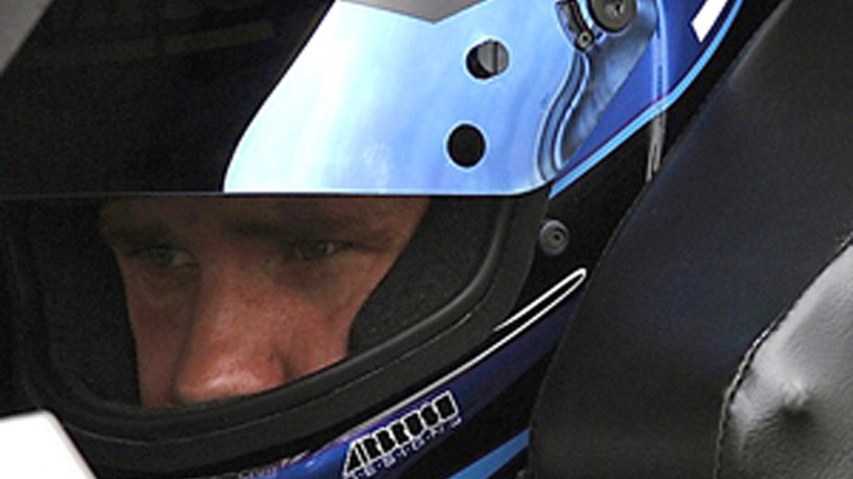Vickers Speeds to New Hampshire Pole