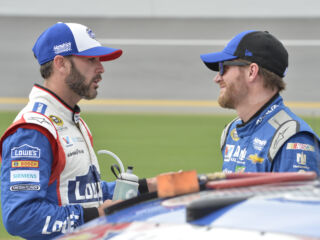 Earnhardt 'happy' for Johnson's #se7en accomplishment