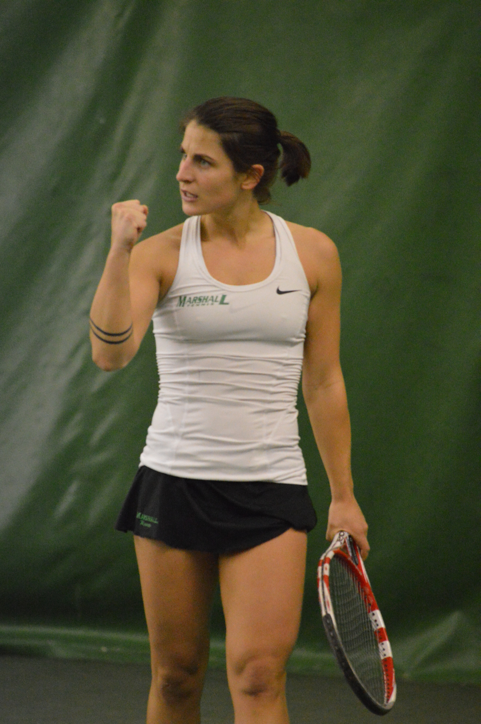 Dana Oppinger collected a three-set victory in No. 1 singles