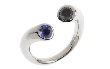 Ring 750/- Weißgold mit schwarzem Diamant und Tansanith