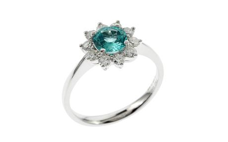 Ring 750/- Weißgold mit Diamanten und Apatit