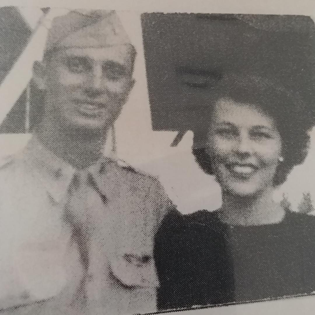 Jules and pat   wedding day 24  jan 1942