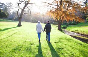 걷기가 정신 건강에 도움이 되는 3가지 이유