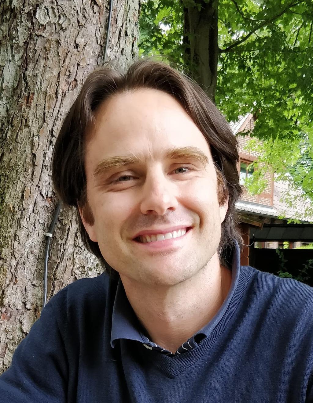 Luis Servin photo