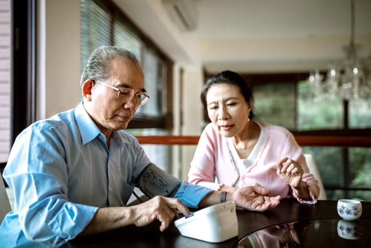 O controle da pressão arterial mais tarde na vida reduz o risco de demência? - Harvard Health Blog 11