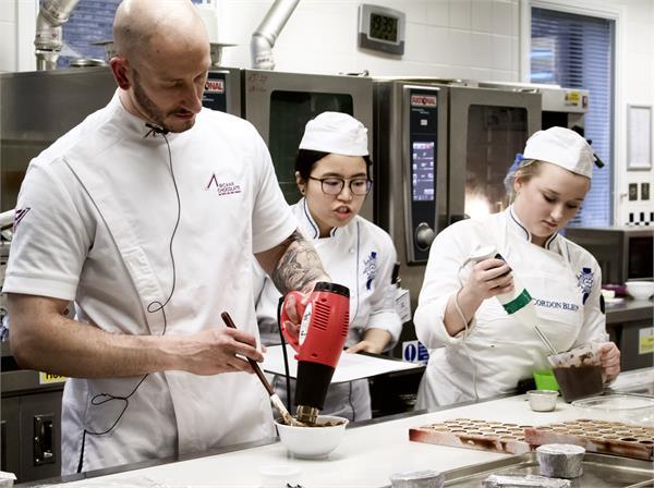 Erik Van der Veken with Team