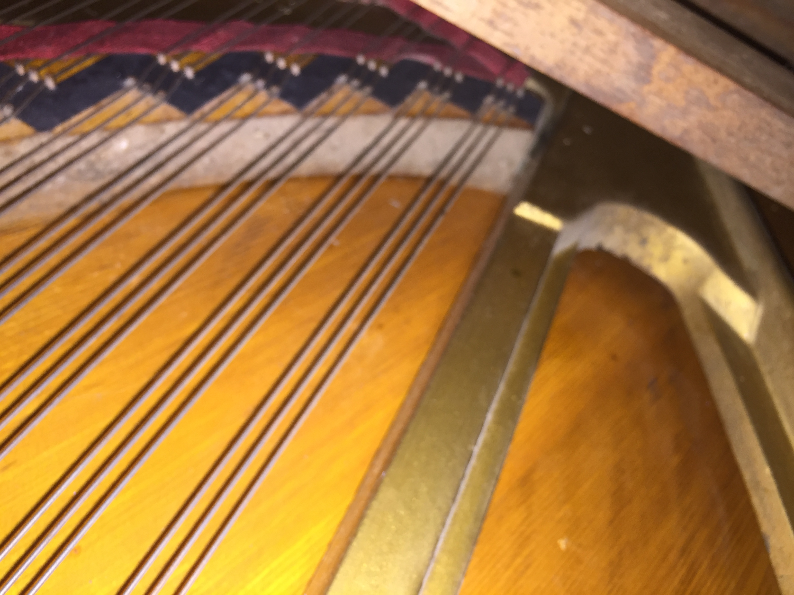 sY6a9pQrgzK8Yp1gvw6F_Steinway upright tenor section of bridge.JPG
