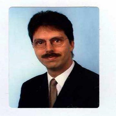 Dr. Jens Hahne,