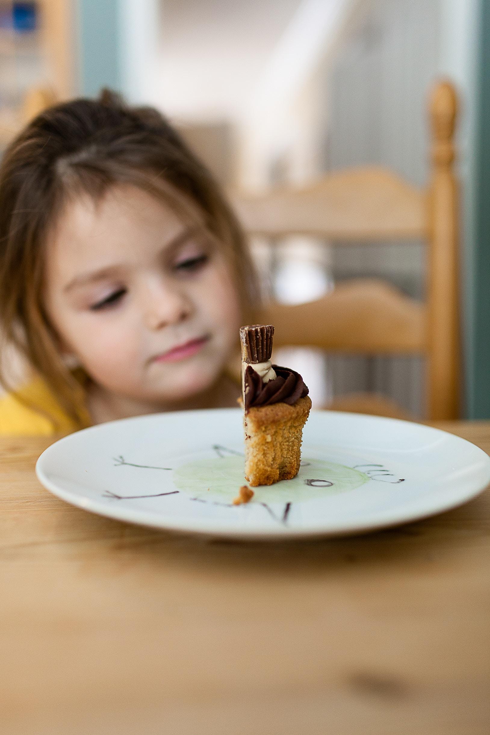kid and cupcake