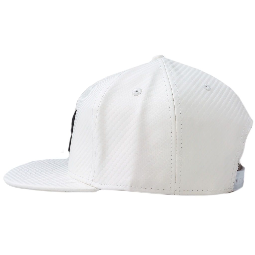Bm sog hat black white flat2