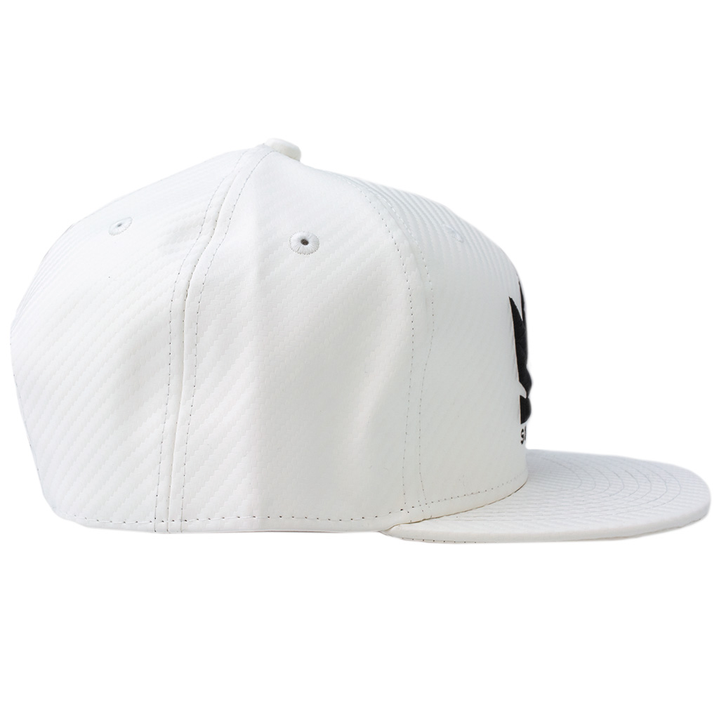 Bm sog hat black white flat3