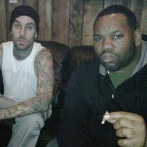 Travis Barker f. RZA, Raekwon & Tom Morello - Carry It