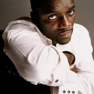 Akon f. Ludacris - Drop Down