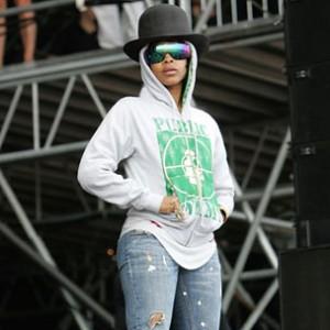 "R&B Pick: Erykah Badu - ""Gone Baby, Don't Be Long"""