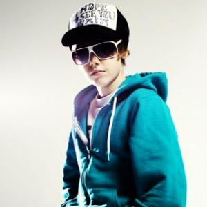 Justin Bieber f. Kanye West & Raekwon - Runaway Love Rmx