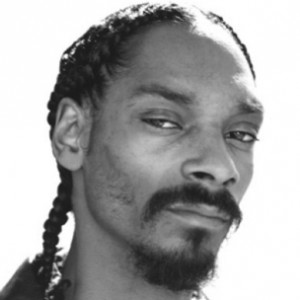 Snoop Dogg f. Kanye West & John Legend - Eyez Closed