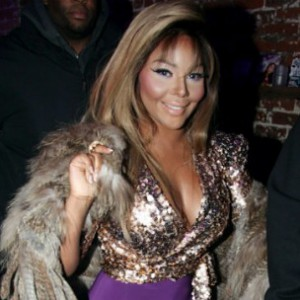 "Lil' Kim Speaks On ""Black Friday"" Mailing Delays During Live UStream"