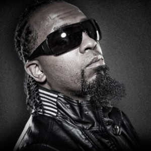 Tech N9ne Talks Mac Dre, Blowfly In Nardwuar Interview