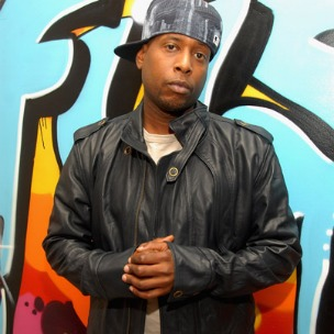 "Talib Kweli Performs New Song ""Distraction"" At Occupy Wall Street"