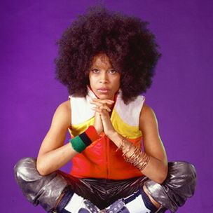 Erykah Badu Talks Funk Music, Opening For Notorious B.I.G. And Mobb Deep