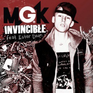 Machine Gun Kelly f. Ester Dean - Invincible