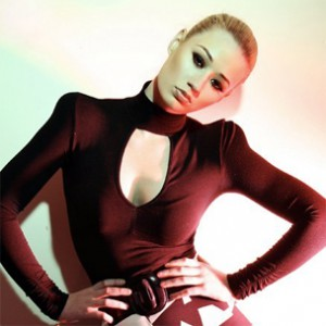 """Iggy Azalea Signs To Interscope Records, Preps Debut """"The New Classic"""""""