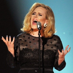 """Adele Says She Wants To Do A """"Hotline Bling"""" Remix With Drake"""