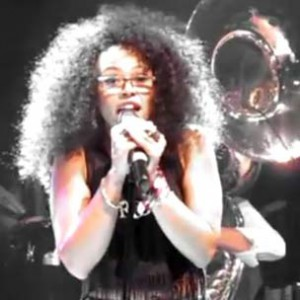"""The Roots f. Elle Varner - """"Saving All My Love For You [House Of Blues Performance]"""""""