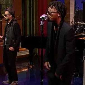 "Robert Glasper f. Lupe Fiasco & Bilal - ""Always Shine [Letterman Performance]"""