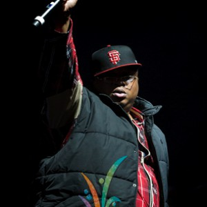 E-40 f. Young Jeezy, Chris Brown, Problem, French Montana & Red Cafe - Function Rmx