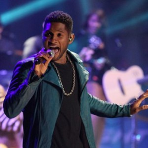 """Usher Performs """"Climax,"""" """"Scream"""" On """"Saturday Night Live"""""""