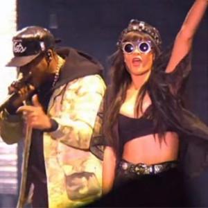 "Jay-Z f. Rihanna - ""Run This Town [Hackney Weekend Performance]"""