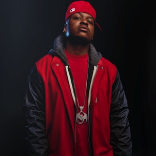 "Stevie Stone Breaks Down His Experiences With Tech N9ne, ""Rollin' Stone"""