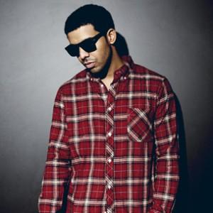 Drake Previews New Song While Smoking Shisha