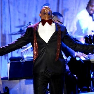 "R. Kelly Still ""Huge Fan"" Of Jay-Z Despite Feud"