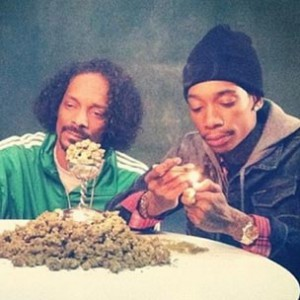 Snoop Dogg & Wiz Khalifa - Bloopers Of The #MacAndDevin Cast