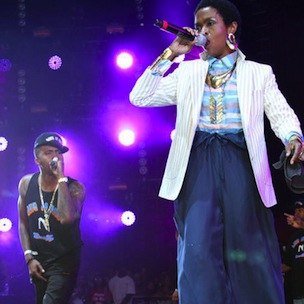 "Lauryn Hill Joins Nas At Rock The Bells In New Jersey, Announces She's ""Back Again"""
