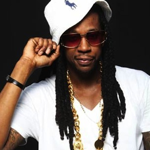 "2 Chainz Performs ""Birthday Song,"" ""I'm Different"" At 2012 BET Hip-Hop Awards"