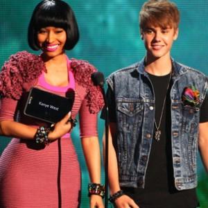 Justin Bieber f. Nicki Minaj - Beauty And A Beat