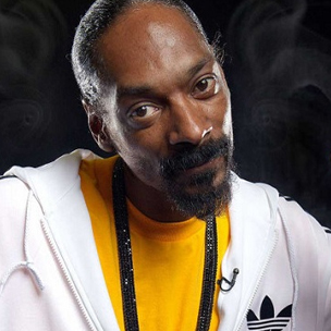 "Snoop Dogg Parodies ""Drop It Like It's Hot"" For Hot Pocket Ad Campaign"