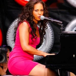 Alicia Keys f. Maxwell - Fire We Make