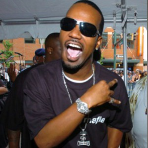 Juicy J f. Wiz Khalifa, B.o.B, Lola Monroe & French Montana - Bandz A Make Her Dance Remix