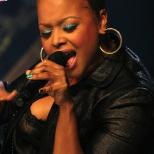 Chrisette Michele f. Wale - Rich Hipster