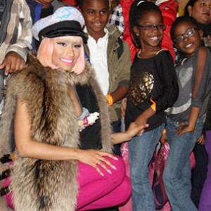 Nicki Minaj & Game Hand Out Turkeys In Their Respective Hometowns During The Holiday