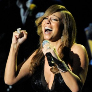 "Mariah Carey Performs ""All I Want For Christmas Is You"" With The Roots"