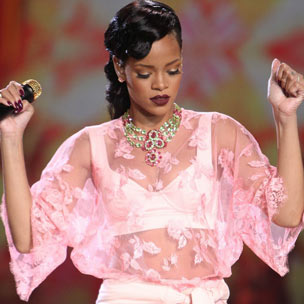 "Rihanna - ""Diamonds [Victoria's Secret Show Performance]"""