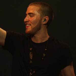 Mike Posner f. Asher Roth, T Mills, Chuck Inglish, And King Chip  - Started From The Bottom Remix