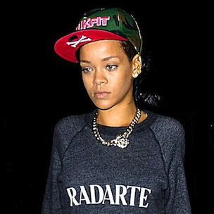 Rihanna Cancels Second Straight Diamonds Tour Stop Due To Flu & Laryngitis